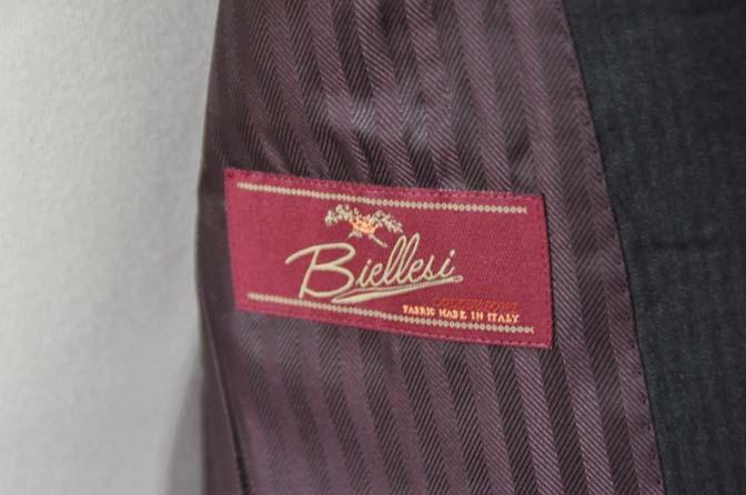 DSC0335-1 お客様のスーツの紹介- Biellesi チャコールグレーヘリンボーンスーツ-