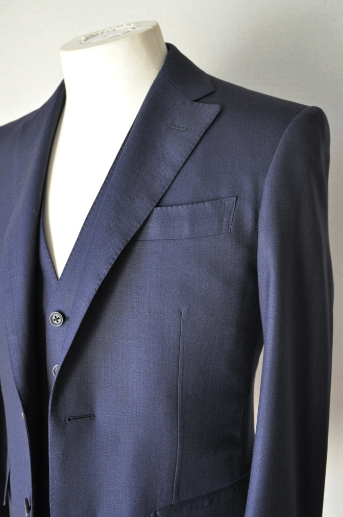 DSC03361 お客様のスーツの紹介-ネイビーヘリンボーンスリーピース- 名古屋の完全予約制オーダースーツ専門店DEFFERT