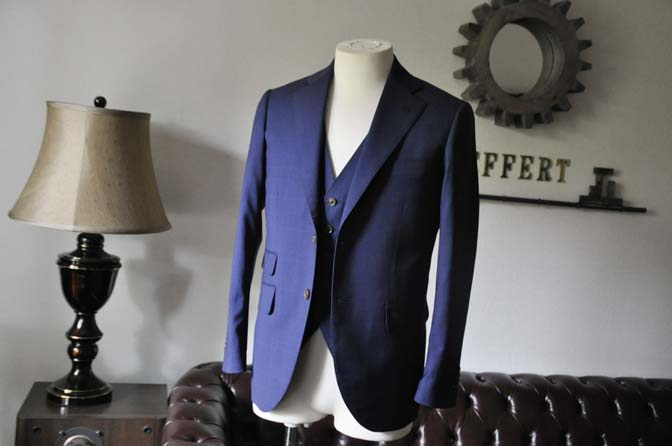 DSC0337-1 お客様のスーツの紹介- Biellesi ネイビーチェックスリーピース-