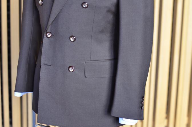 DSC0338-3 Biellesi無地ブラウンダブルスーツ