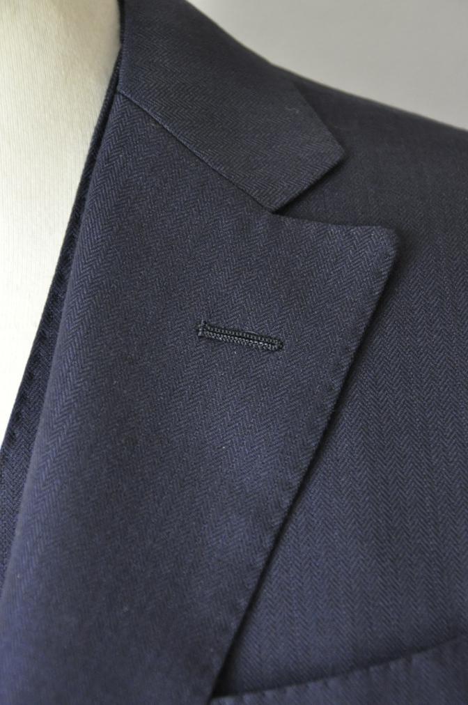 DSC03384 お客様のスーツの紹介-ネイビーヘリンボーンスリーピース-
