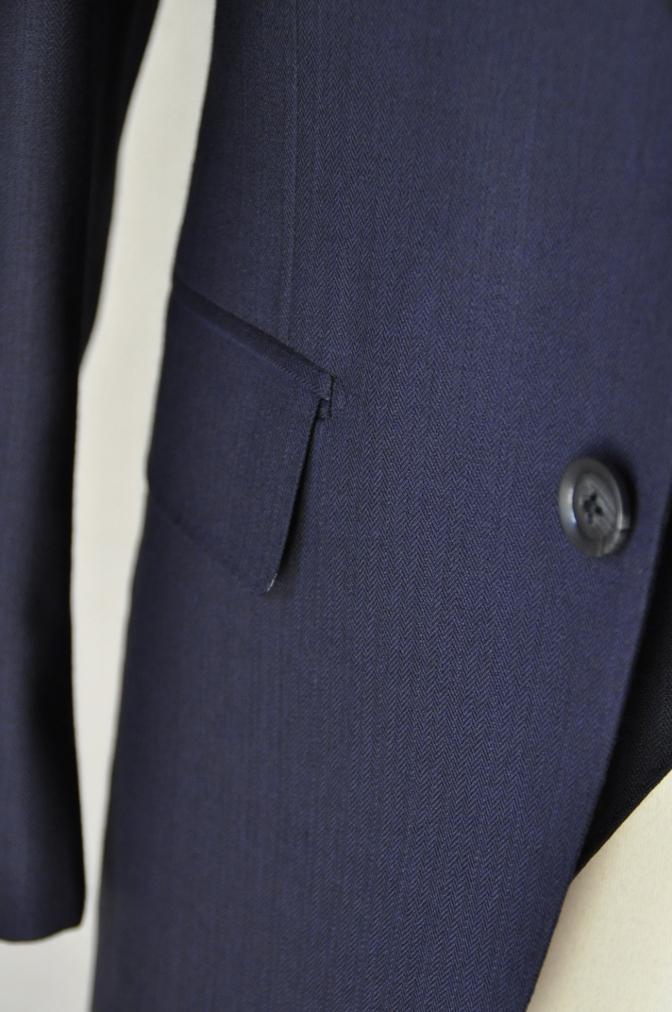 DSC03413 お客様のスーツの紹介-ネイビーヘリンボーンスリーピース-