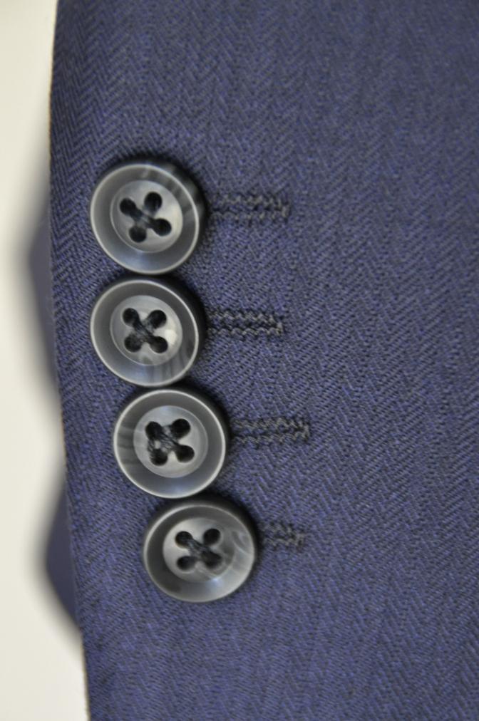 DSC03425 お客様のスーツの紹介-ネイビーヘリンボーンスリーピース-