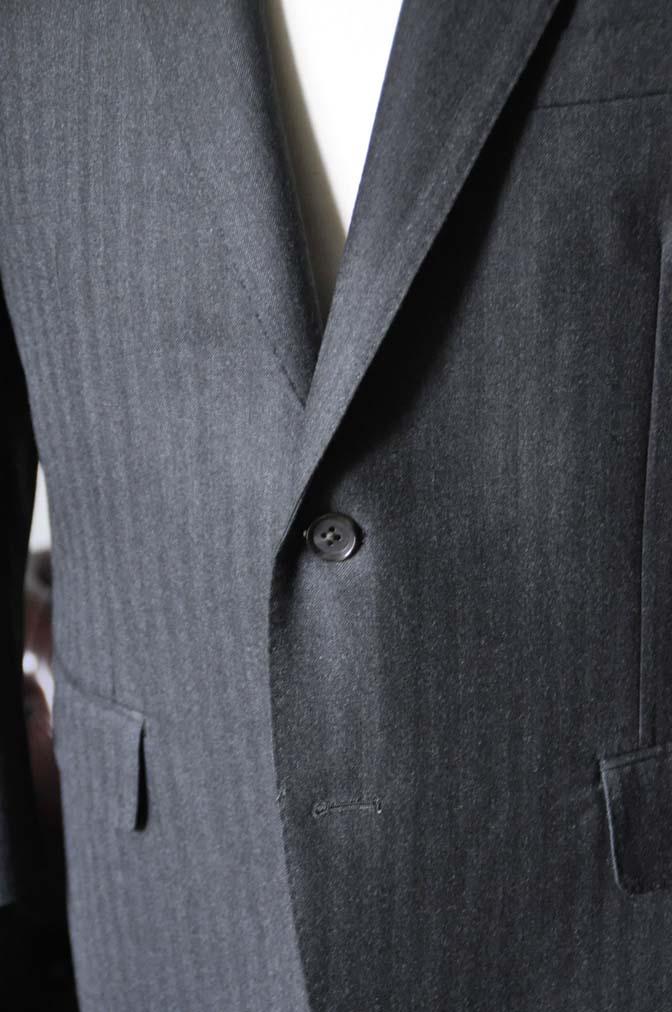 DSC0343-3 お客様のスーツの紹介- 御幸毛織 チャコールグレーヘリンボーンスーツ-