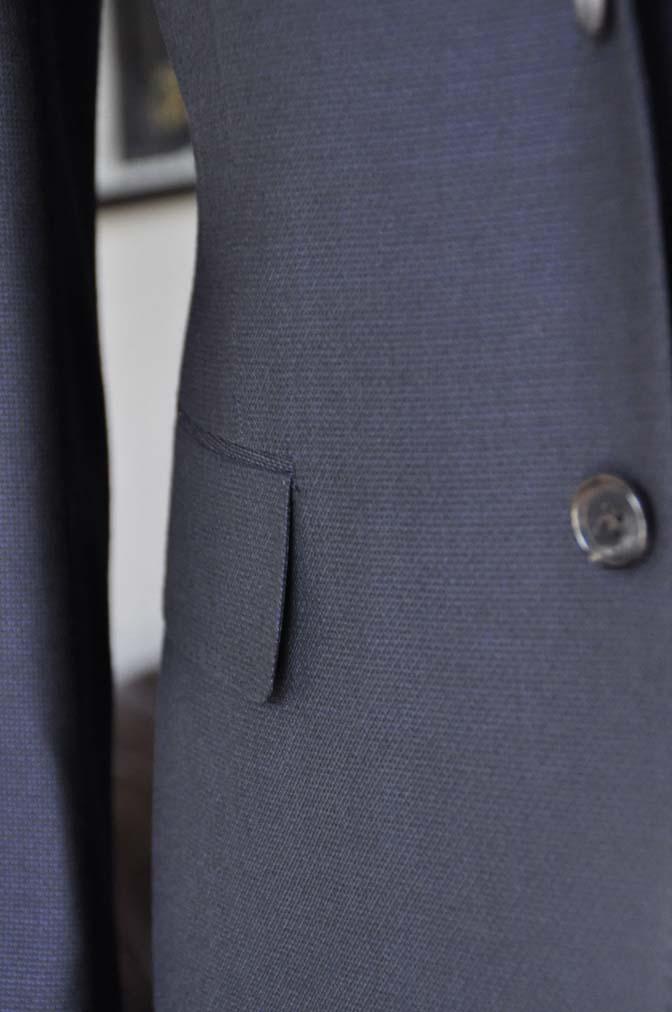 DSC03466 お客様のスーツの紹介- DUGDALE 無地ネイビースリーピーススーツ-