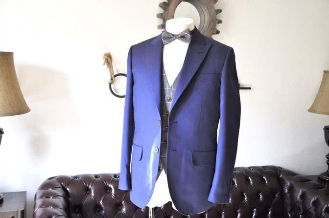 DSC0355-1 お客様のウエディング衣装の紹介-Biellesi ネイビースーツ グレーチェックベスト-DSC0355-1 お客様のウエディング衣装の紹介-Biellesi ネイビースーツ グレーチェックベスト- 名古屋市のオーダータキシードはSTAIRSへ