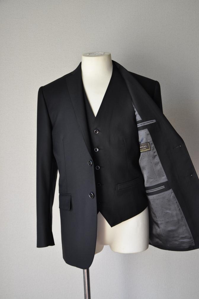 DSC03554 お客様のスーツの紹介-CANONICO ブラックスリーピース-