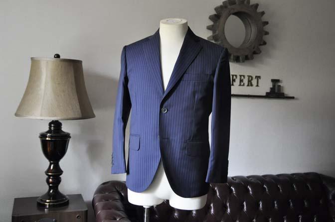 DSC0356-1 お客様のスーツの紹介- CANONICOネイビーストライプ- 名古屋の完全予約制オーダースーツ専門店DEFFERT