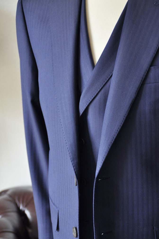 DSC0359-3 お客様のスーツの紹介-CANONICOネイビーダブルジレスリーピース-