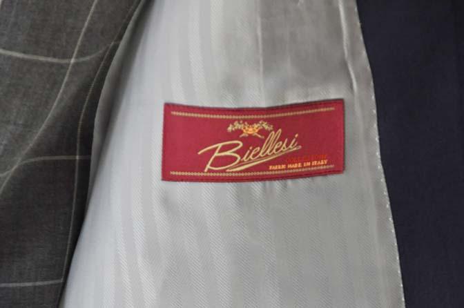DSC0364-1 お客様のウエディング衣装の紹介-Biellesi ネイビースーツ グレーチェックベスト-DSC0364-1 お客様のウエディング衣装の紹介-Biellesi ネイビースーツ グレーチェックベスト- 名古屋市のオーダータキシードはSTAIRSへ