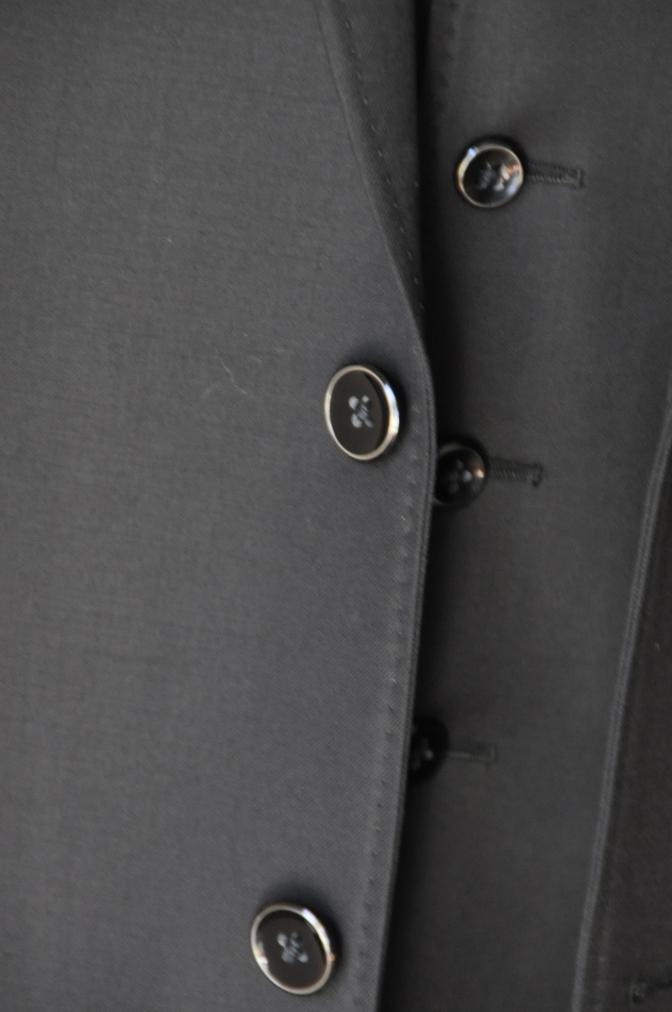 DSC03652 お客様のスーツの紹介-CANONICO ブラックスリーピース-