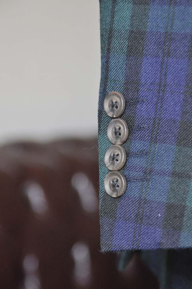 DSC0368-4 お客様のウエディング衣装の紹介- ブラックウォッチスーツ ネイビーベスト-