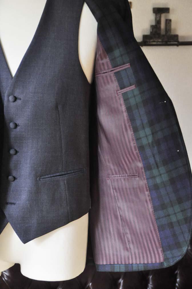 DSC0370-3 お客様のウエディング衣装の紹介- ブラックウォッチスーツ ネイビーベスト-