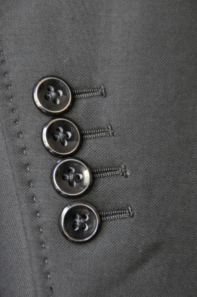 DSC03712 お客様のスーツの紹介-CANONICO ブラックスリーピース-
