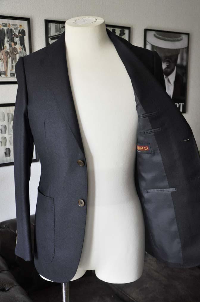DSC0374 お客様のジャケットの紹介-E.THOMAS 無地ネイビーツイル ジャケット-