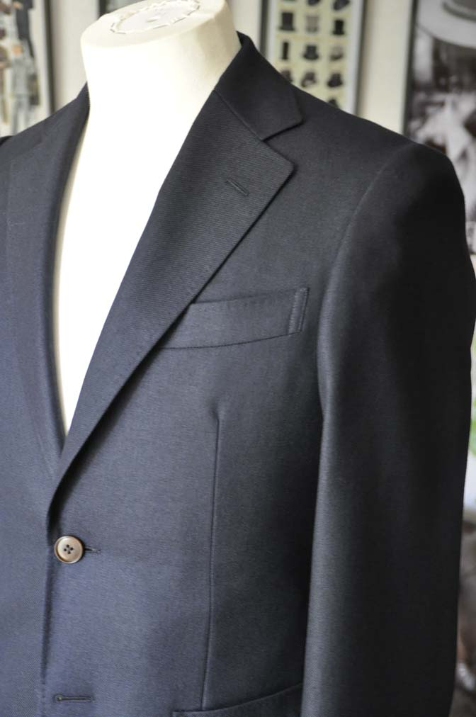 DSC0376 お客様のジャケットの紹介-E.THOMAS 無地ネイビーツイル ジャケット-