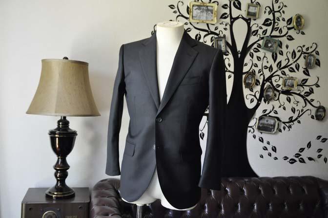 DSC0377-4 お客様のスーツの紹介-Biellesiブラックシャドーストライプスーツ- 名古屋の完全予約制オーダースーツ専門店DEFFERT
