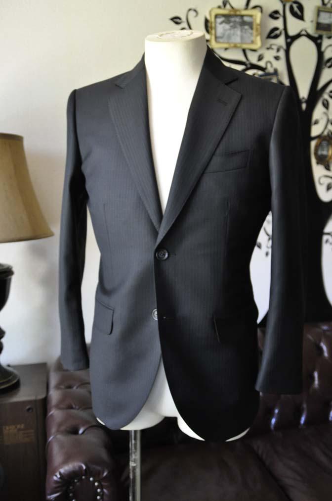 DSC0378-2 お客様のスーツの紹介-Biellesiブラックシャドーストライプスーツ- 名古屋の完全予約制オーダースーツ専門店DEFFERT