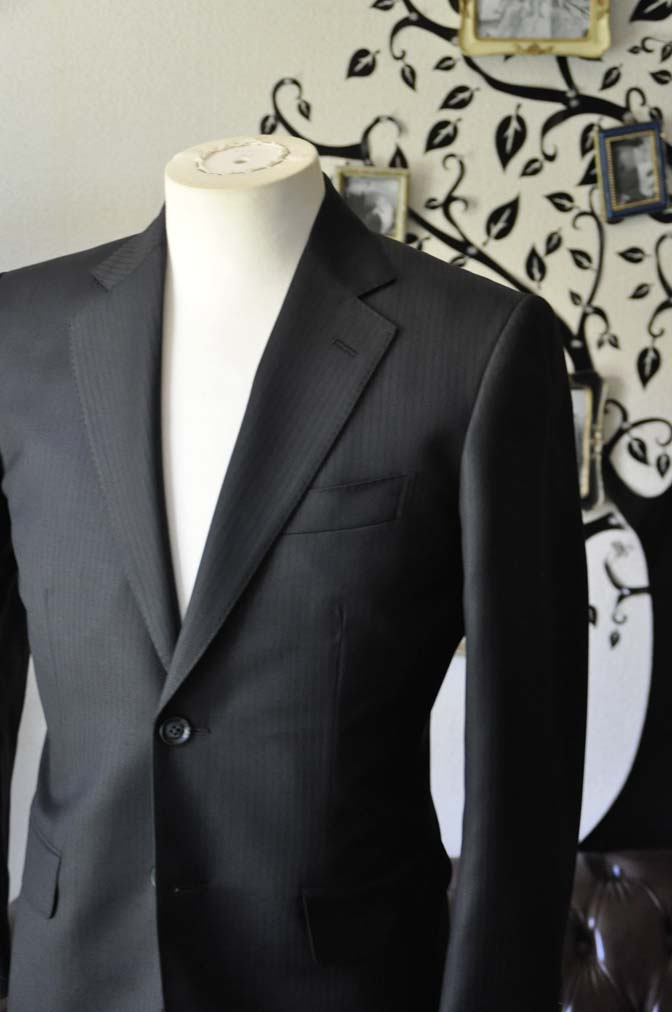 DSC0380-4 お客様のスーツの紹介-Biellesiブラックシャドーストライプスーツ- 名古屋の完全予約制オーダースーツ専門店DEFFERT