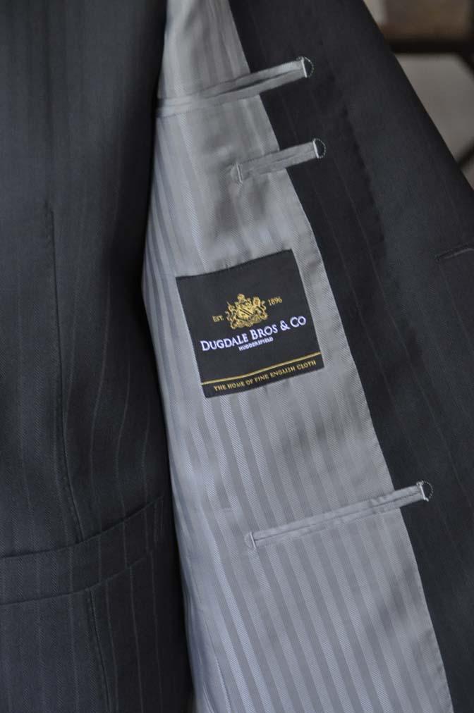 DSC0382-1 お客様のスーツの紹介- DUGDALE ブラックストライプ スリーピース- 名古屋の完全予約制オーダースーツ専門店DEFFERT