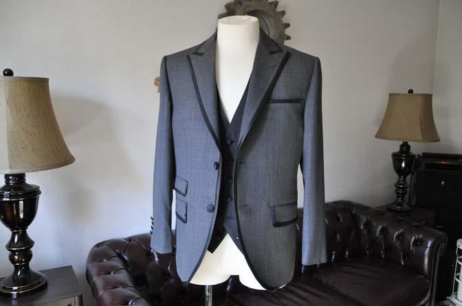 DSC0382-2 お客様のウエディング衣装の紹介-Biellesi グレーパイピングジャケット- 名古屋の完全予約制オーダースーツ専門店DEFFERT