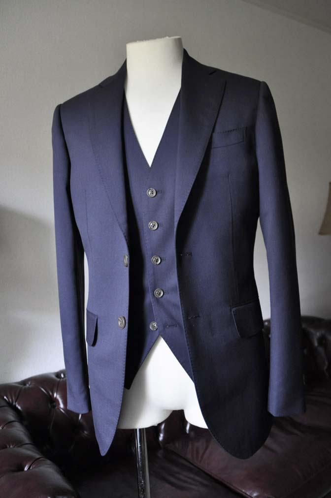 DSC0383-2 お客様のスーツの紹介-無地ネイビースリーピーススーツ- 名古屋の完全予約制オーダースーツ専門店DEFFERT