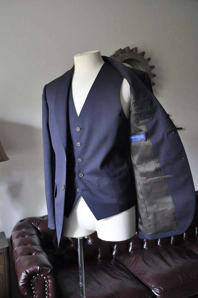 DSC0384-1 お客様のスーツの紹介-無地ネイビースリーピーススーツ- 名古屋の完全予約制オーダースーツ専門店DEFFERT