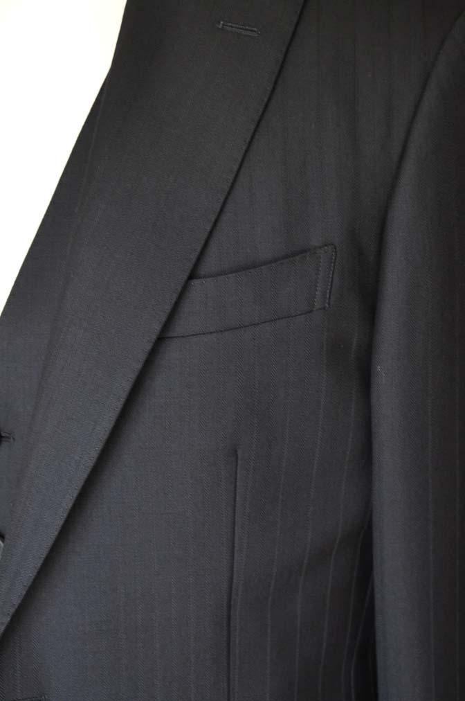 DSC0386-1 お客様のスーツの紹介- DUGDALE ブラックストライプ スリーピース- 名古屋の完全予約制オーダースーツ専門店DEFFERT