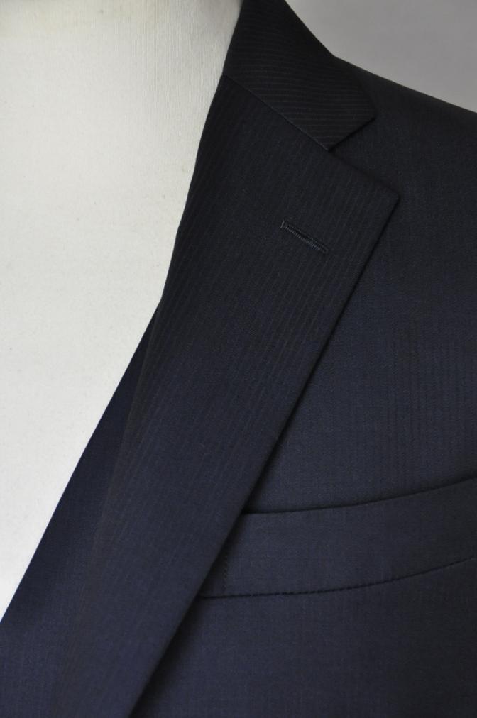 DSC0386 お客様のスーツの紹介-御幸毛織 Box Collection ネイビーストライプ スリーピース-