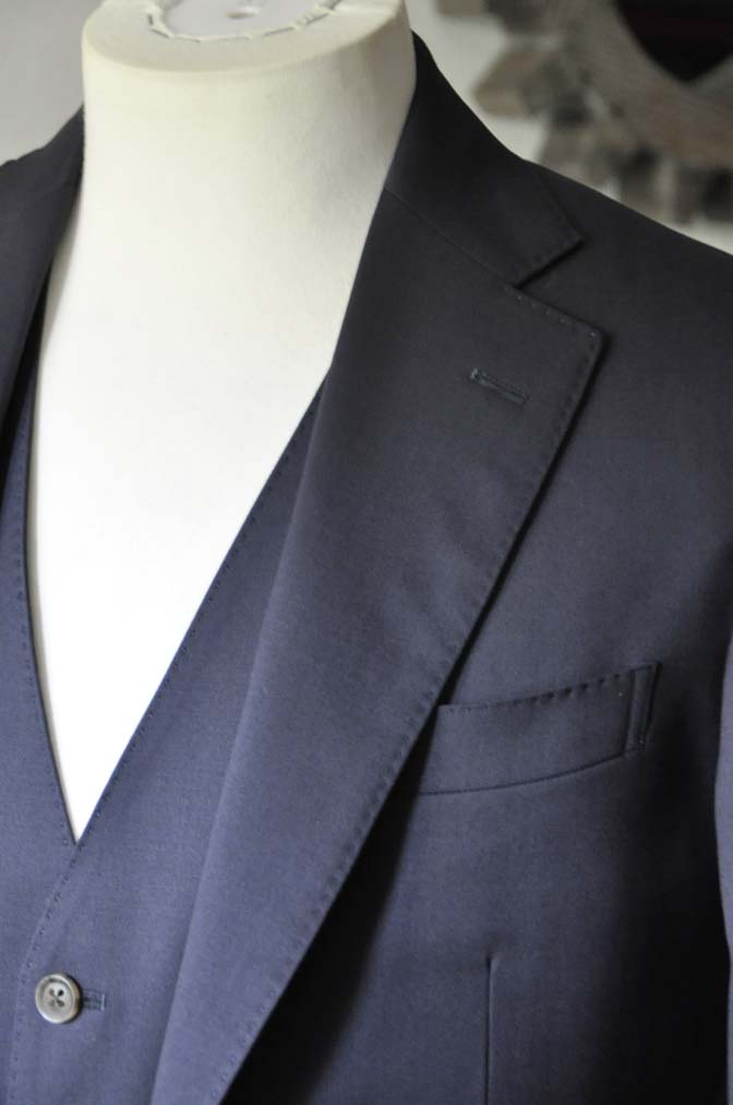 DSC0388-2 お客様のスーツの紹介-無地ネイビースリーピーススーツ- 名古屋の完全予約制オーダースーツ専門店DEFFERT