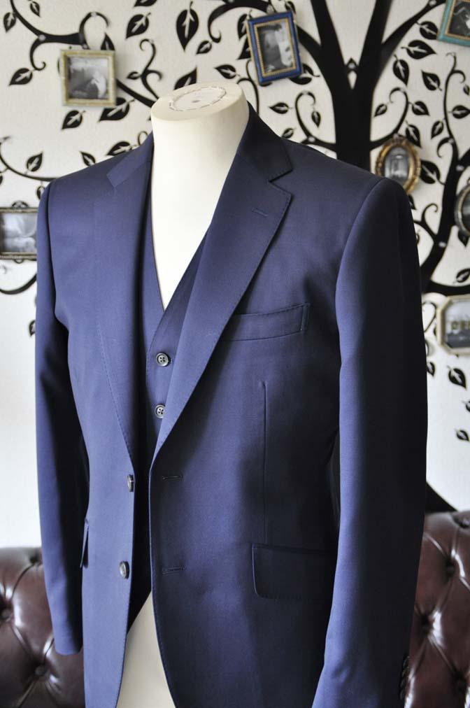 DSC0388-3 お客様のスーツの紹介-Biellesi無地ネイビー  スリーピーススーツ-