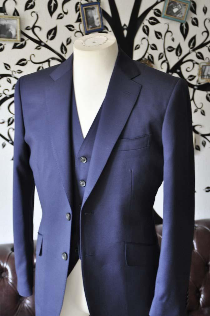 DSC0389-3 お客様のスーツの紹介-Biellesi無地ネイビー  スリーピーススーツ-
