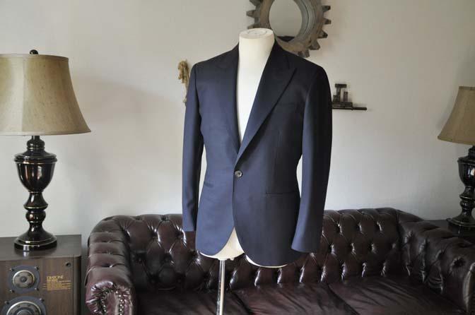 DSC0390-2 お客様のスーツの紹介-無地ネイビースーツ-