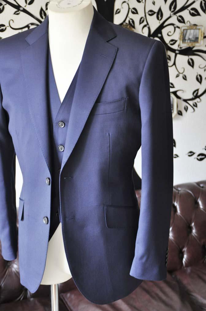 DSC0390-3 お客様のスーツの紹介-Biellesi無地ネイビー  スリーピーススーツ-