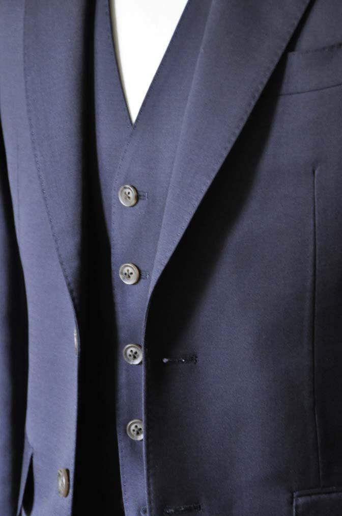 DSC0392 お客様のスーツの紹介-無地ネイビースリーピーススーツ- 名古屋の完全予約制オーダースーツ専門店DEFFERT