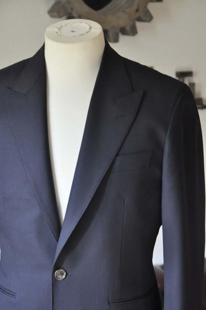 DSC0395-1 お客様のスーツの紹介-無地ネイビースーツ-