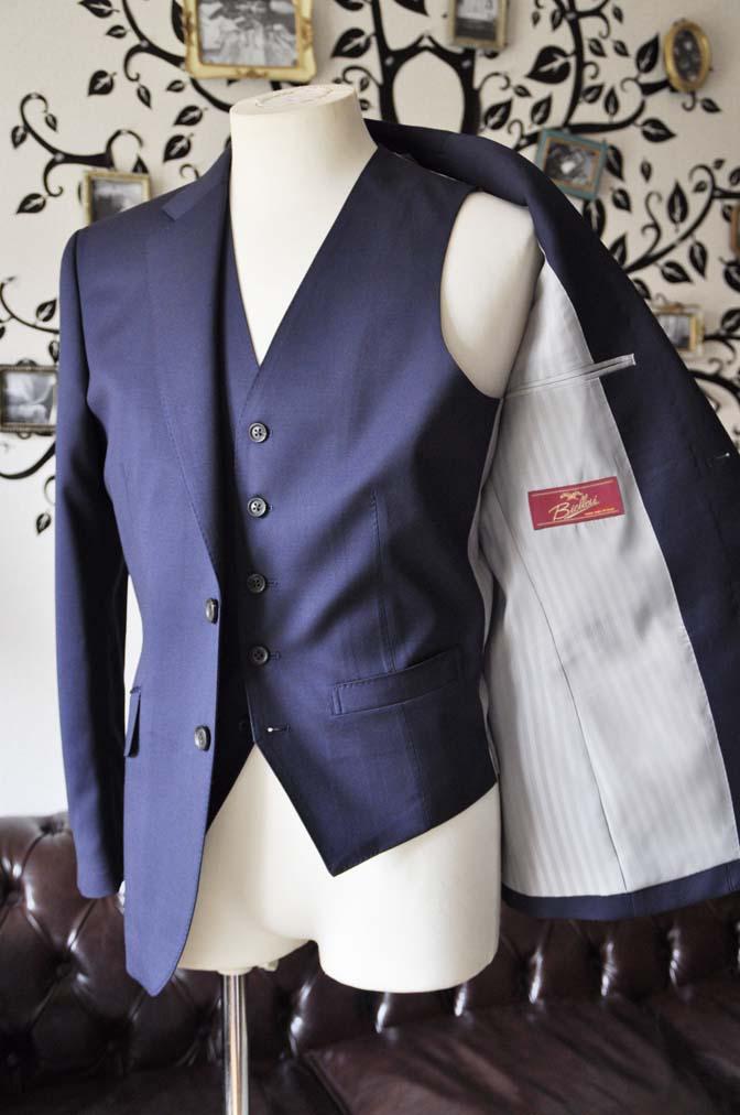 DSC0395-2 お客様のスーツの紹介-Biellesi無地ネイビー  スリーピーススーツ-