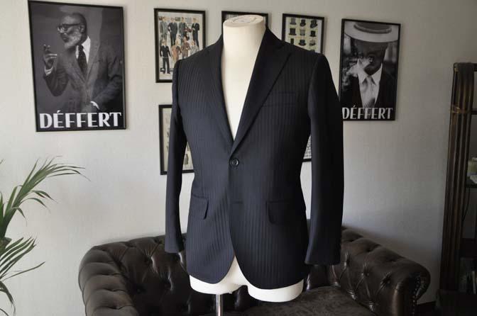 DSC03962 お客様のスーツの紹介- REDA ネイビーストライプ- 名古屋の完全予約制オーダースーツ専門店DEFFERT