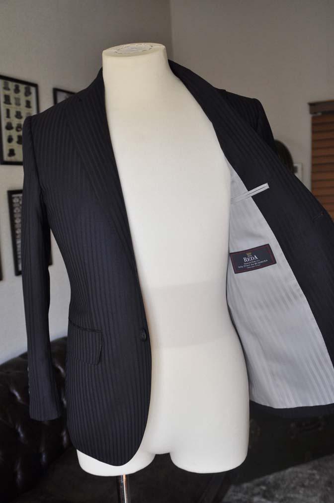 DSC03983 お客様のスーツの紹介- REDA ネイビーストライプ- 名古屋の完全予約制オーダースーツ専門店DEFFERT