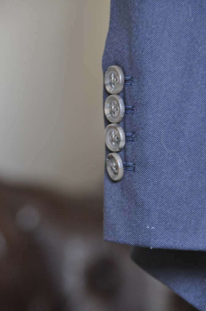 DSC0400-2 お客様のスーツの紹介-無地ネイビースーツ-
