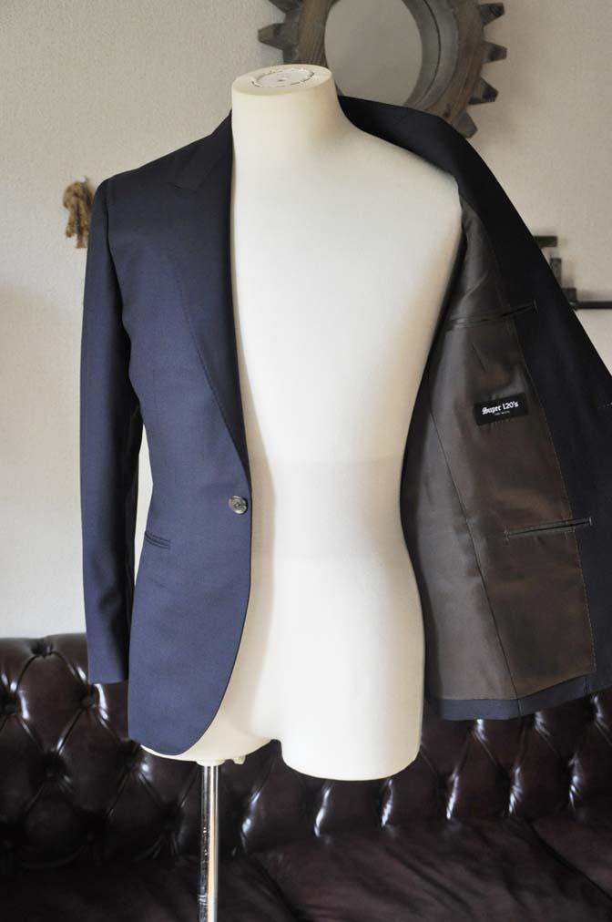 DSC0401-2 お客様のスーツの紹介-無地ネイビースーツ-