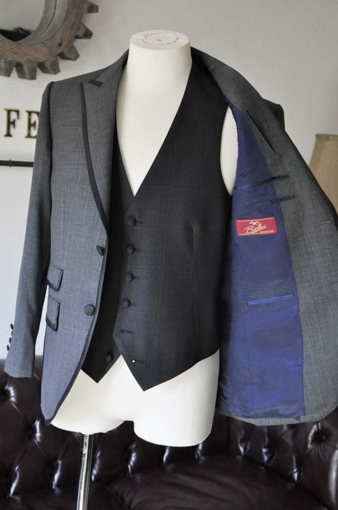 DSC0402-1 お客様のウエディング衣装の紹介-Biellesi グレーパイピングジャケット- 名古屋の完全予約制オーダースーツ専門店DEFFERT