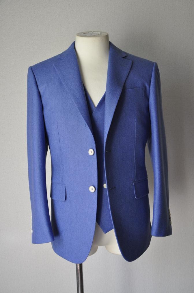 DSC04022 お客様のスーツの紹介-CANONICO ライトブルーフランネル ダブルジレのスリーピース-