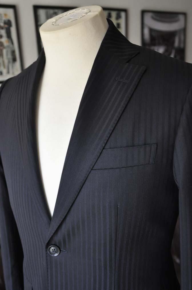 DSC04024 お客様のスーツの紹介- REDA ネイビーストライプ- 名古屋の完全予約制オーダースーツ専門店DEFFERT