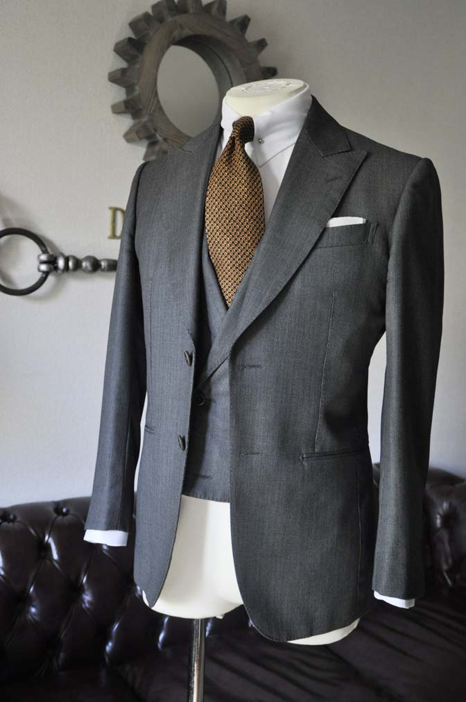 DSC0405-5 お客様のスーツの紹介 名古屋の完全予約制オーダースーツ専門店DEFFERT