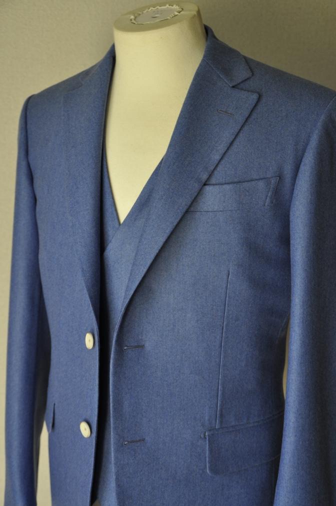 DSC04084 お客様のスーツの紹介-CANONICO ライトブルーフランネル ダブルジレのスリーピース- 名古屋の完全予約制オーダースーツ専門店DEFFERT