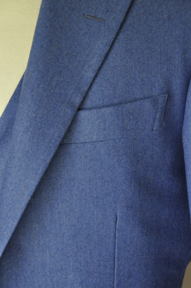 DSC04103 お客様のスーツの紹介-CANONICO ライトブルーフランネル ダブルジレのスリーピース-