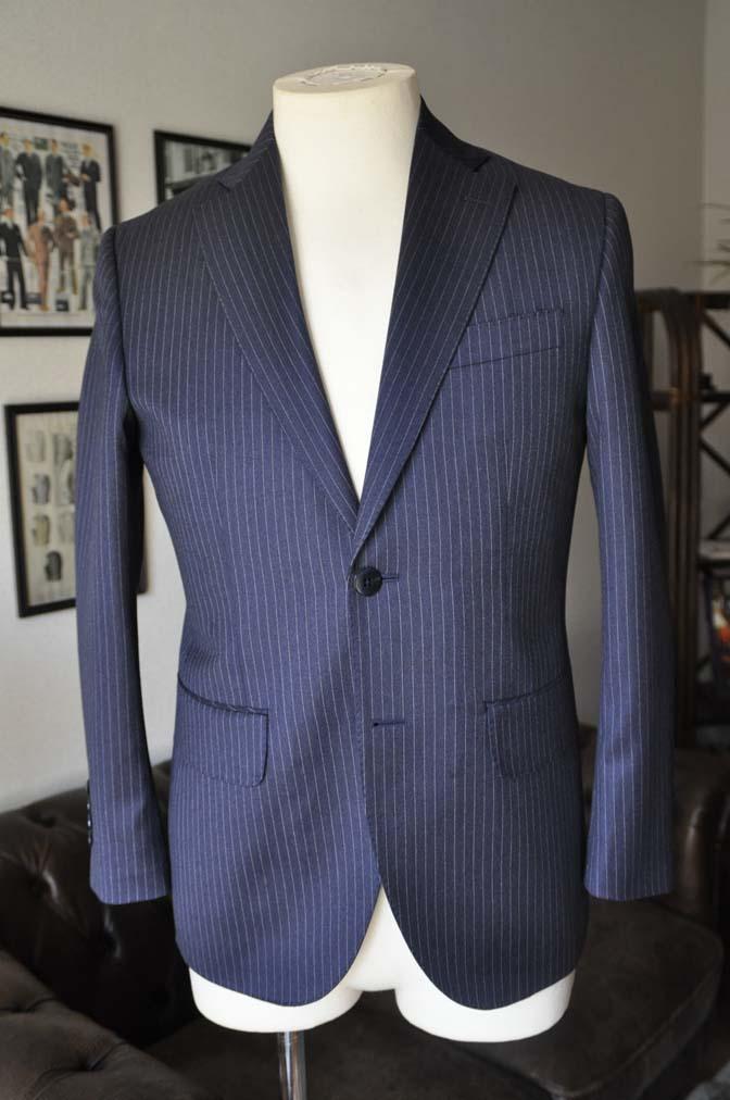 DSC04112 お客様のスーツの紹介- REDA ネイビーストライプスーツ-