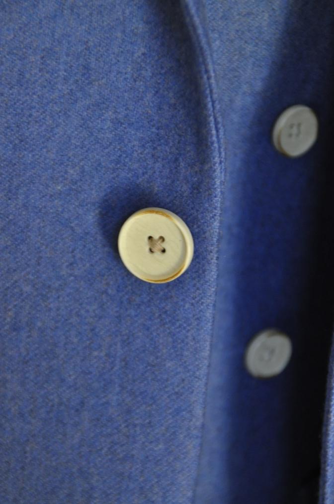 DSC04122 お客様のスーツの紹介-CANONICO ライトブルーフランネル ダブルジレのスリーピース- 名古屋の完全予約制オーダースーツ専門店DEFFERT