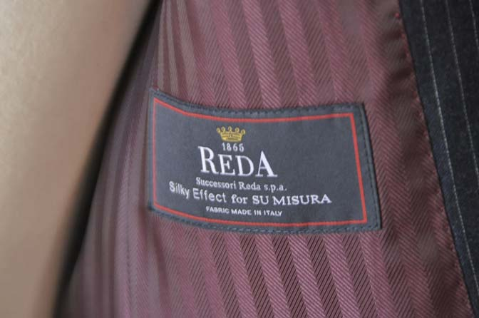 DSC04143 お客様のスーツの紹介- REDA ネイビーストライプスーツ-